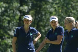 Die Krug-Sisters Viviana und Samantha mit Caddy Katharina Rzepucha