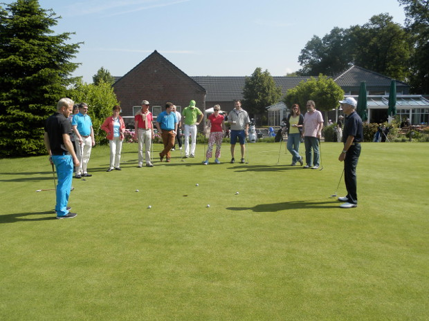 Hochbetrieb auf der Anlage des GC Op de Niep beim Golf-Erlebnistag 2014