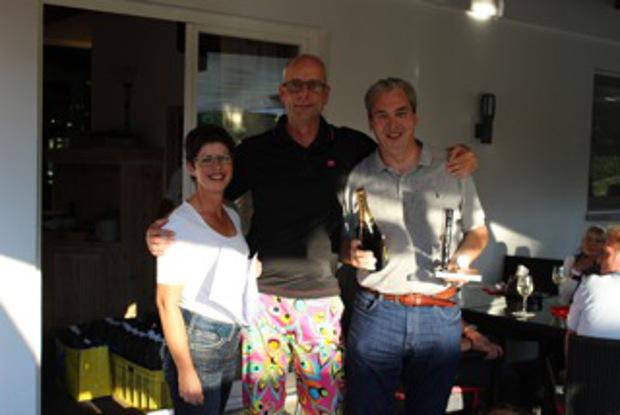 Freute sich gemeinsam mit  Birte und Herwart Jess über sein 1. Netto: Jörg Sevenich