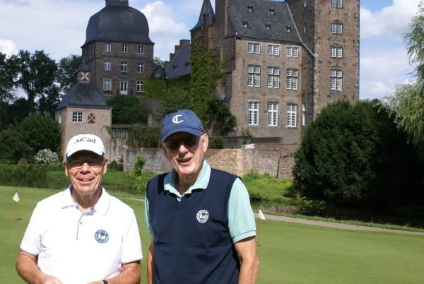Sehr gute Entscheidung von Captain Wilfried Schmitz (l) – comeback von Dieter Hallen!