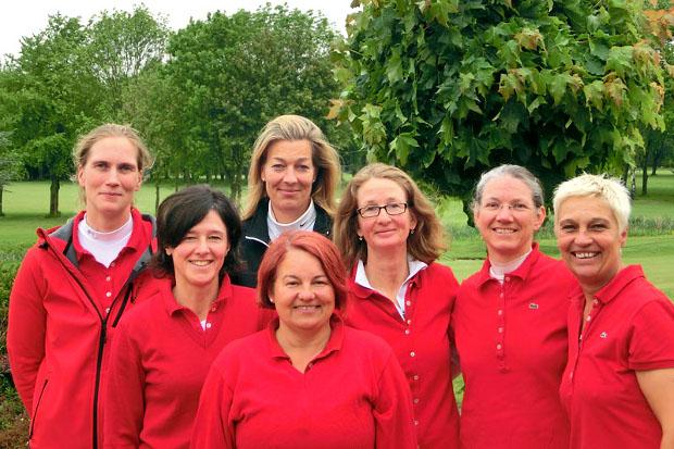 Platz 2 in Liga 2: Das Team der Grafenberger Jungseniorinnen (v.l.): Kerstin Wittke-Laube, Dorothée Zerfowski, Christa Wellershoff, Frauke Rethmeier, Christiane Boßmann-Tesch, Sandra Reinke und Christiane Solitair.