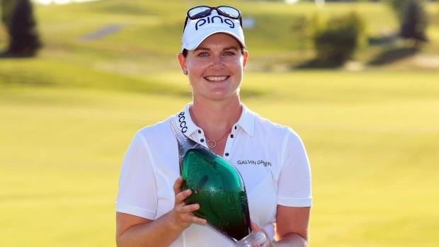 Strahlende Siegerin Caroline Masson nach ihrem ersten Sieg auf der US-Tour