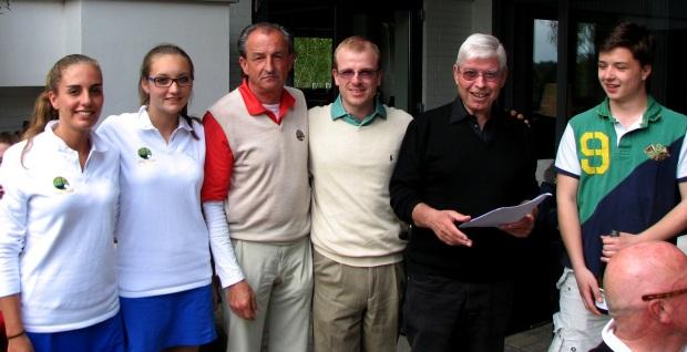 Das Bruttoteamsieger mit (v.l.):  Theresa Kränzlin, Alissa Kupitz, Heinz Hubinger, Sebastian Fourné, Hans Günther Lümmen und Maximilian Dresen