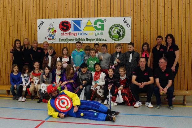 Sie alle hatten sichtlich Spaß an diesem SNAG-Event, und da es Karnevalszeit war, kamen einige Schüler auch in netten Kostümen.