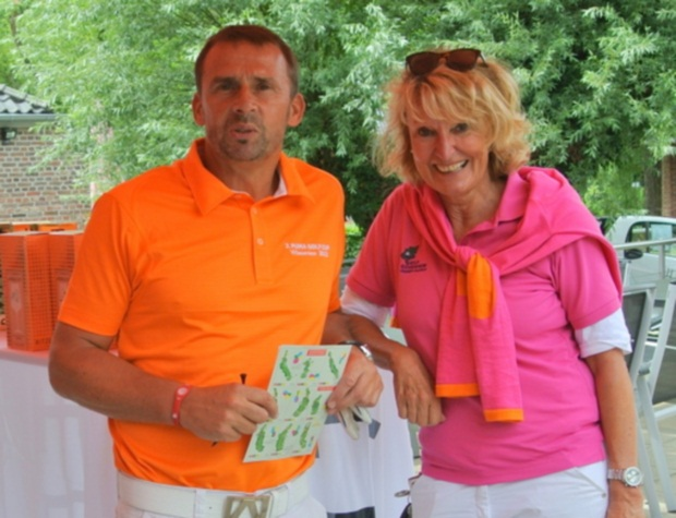 Kö-Golf-Trophy Organisatorin Verena Röpke mit Ex-Nationalspieler Thomas Allofs