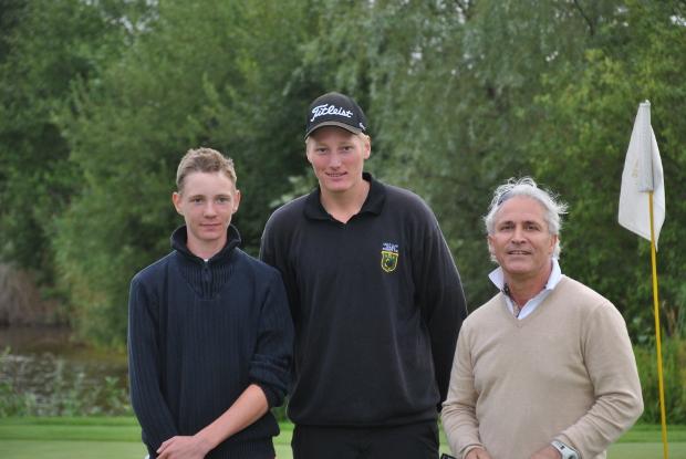 Platz 1 und 2 bei den Herren (v.l.) Christian von Fleming, Clubmeister Niklas Jacobi und Hamid Mansouree