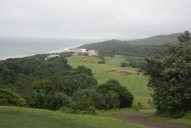 Gespielt wird nur auf spektakulären Golfplätzen – wie hier im Prince's Grant Golf Estate
